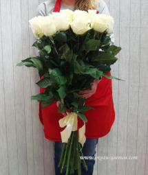 Букеты из роз с крупным бутоном