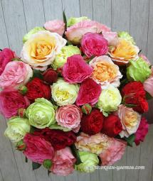 Пионовидные розы и пионы