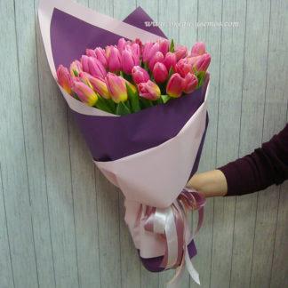 Букет розывых тюльпанов 55 шт Воронеж