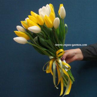Букет белых и желтых тюльпанов 25 шт Воронеж