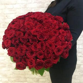 Букет из красных роз Наоми 101 шт Воронеж