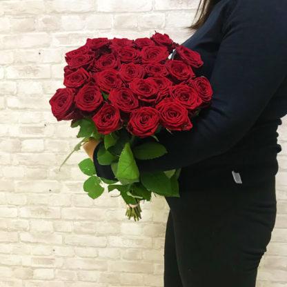 Букет из красных роз Наоми 25 шт Воронеж