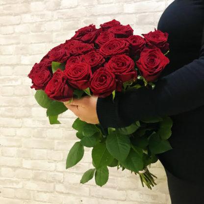 Букет из красных роз Наоми 25 шт Воронеж 2