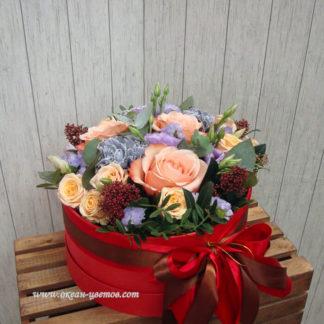Розы, гвоздики, эустома, в коробке Воронеж