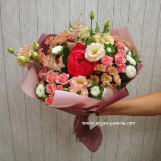 Букет с пионом, розами, эустомой, хризантемой Воронеж