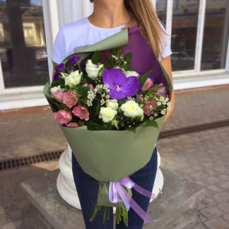 Букет из орхидеи, роз, альстромерий Воронеж