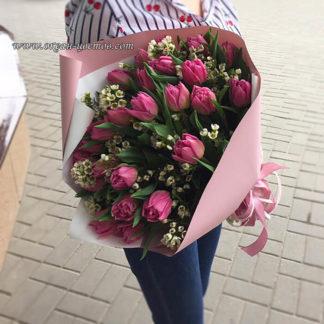 Букет из пионовидных тюльпанов и хамелациума Воронеж