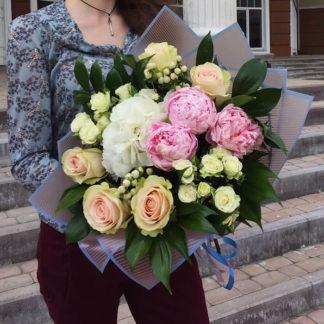 Букет из гортензии пионов роз Воронеж