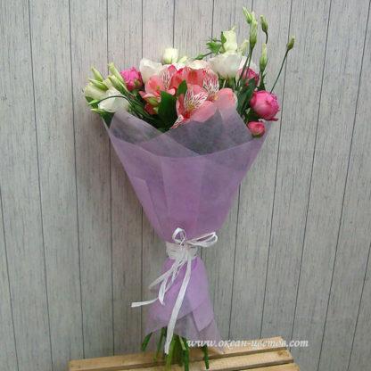 Букет с пионом, альстромерией, кустовой розой, эустомой Воронеж 2