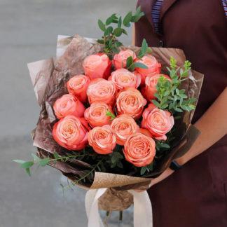 Букет из персиковых пионовидных роз Воронеж
