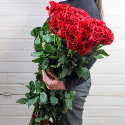 Букет красных роз Фридом Эквадор Воронеж 2