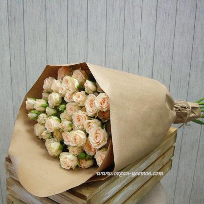 Букет из кремовых кустовых роз Воронеж 2