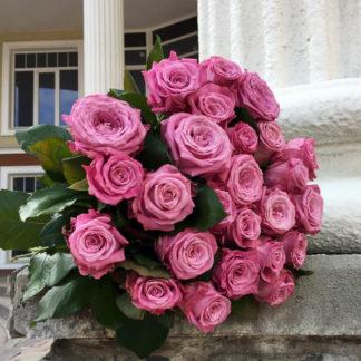 Букет сиреневых розовых роз Маритим Воронеж