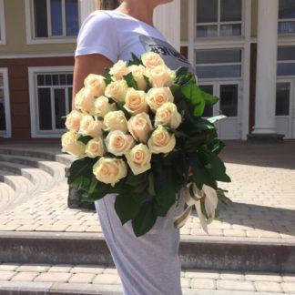 Букет кремовых роз Талея 25 шт Воронеж