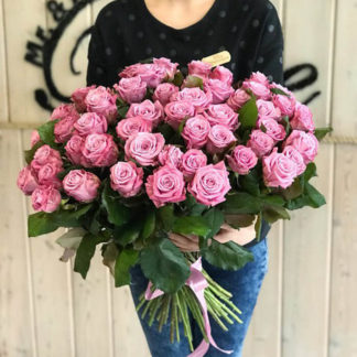 Букет сиреневых розовых роз Маритим 51 шт Воронеж