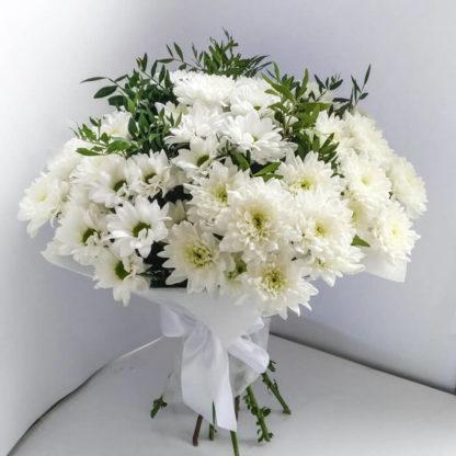Букет из белых кустовых хризантем Воронеж