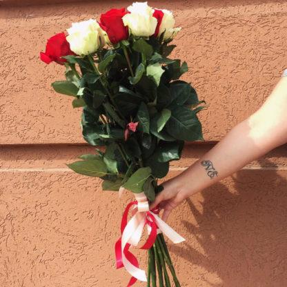 Букет из красных белых роз 15 шт Воронеж 2