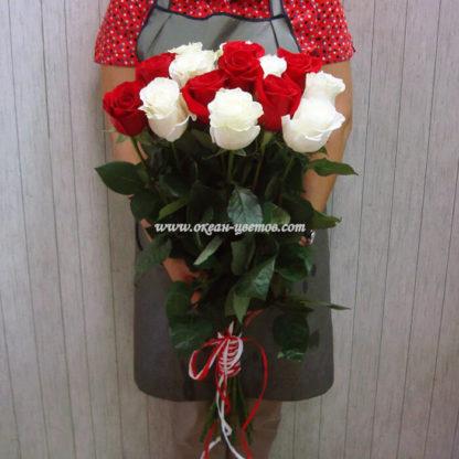 Букет из красных белых роз 21 шт Воронеж