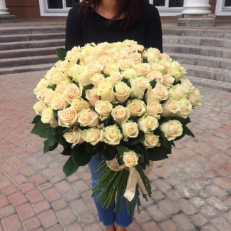 Букет кремовых роз Талея 101 шт Воронеж