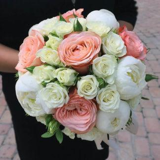 Букет пион, пионовидная роза, кустовая роза Воронеж