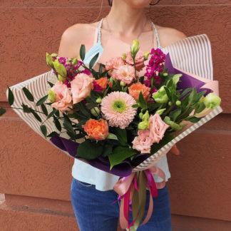Букет из герберы, эустомы, розы, геллеборуса матиоллы Воронеж