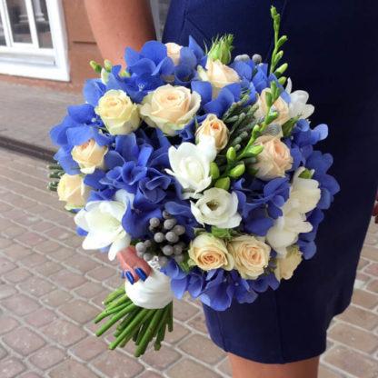 Букет невесты с гортензией, фрезией, кустовой розой Воронеж 2