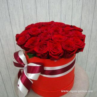 Красные розы в коробке Ред Наоми 25 Воронеж