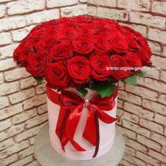 Красные розы в коробке Ред Наоми Воронеж