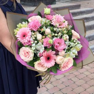 Букет из гербер, кустовых роз, эустомы, альстромери, гиперикума Воронеж