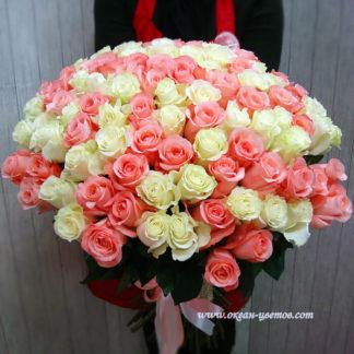 Букет из бело-розовых роз 101 шт Эквадор Воронеж