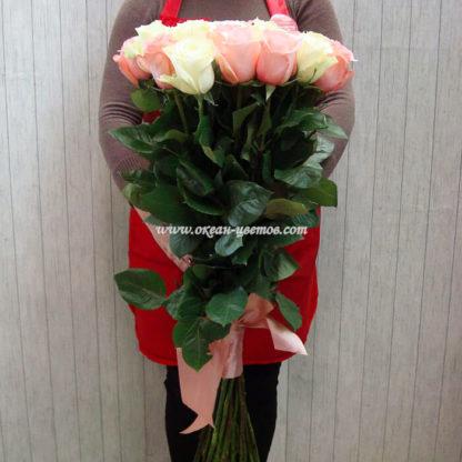 Букет из бело-розовых роз 19 шт Эквадор Воронеж 2