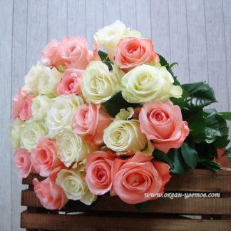 Букет из бело-розовых роз 21 шт Эквадор Воронеж