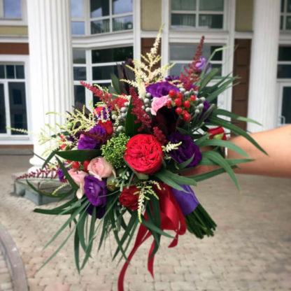 Букет из пионовидной розы, эустомы, скимии, астильбы, эвкалипта Воронеж