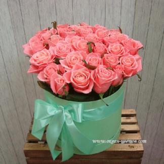 Розовые розы в коробке Карина 15 шт Воронеж
