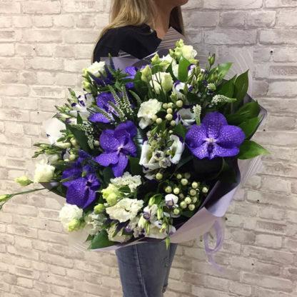 Букет орхидея, эустома ,веро ника, гиперикум Воронеж 3