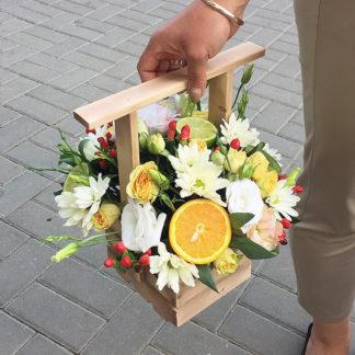 Кустовая роза, эустома, хризантема, гиперикум Воронеж