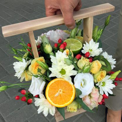 Кустовая роза, эустома, хризантема, гиперикум Воронеж 2
